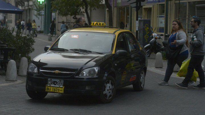 La tarifa de taxis podría experimentar un fuerte aumento.
