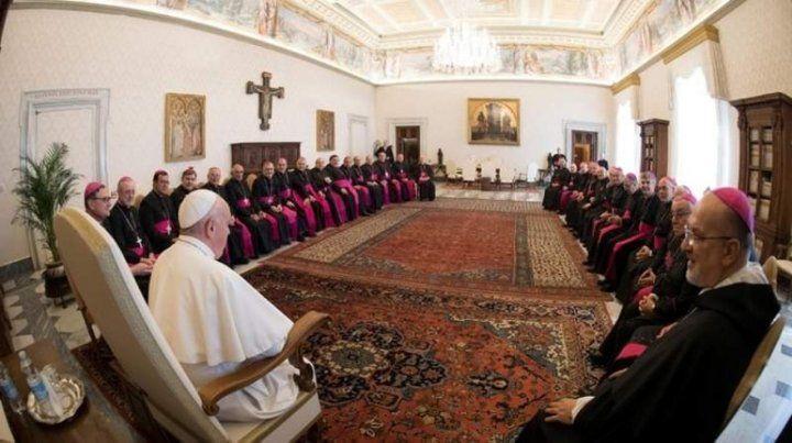 Francisco y los obispos ayer.