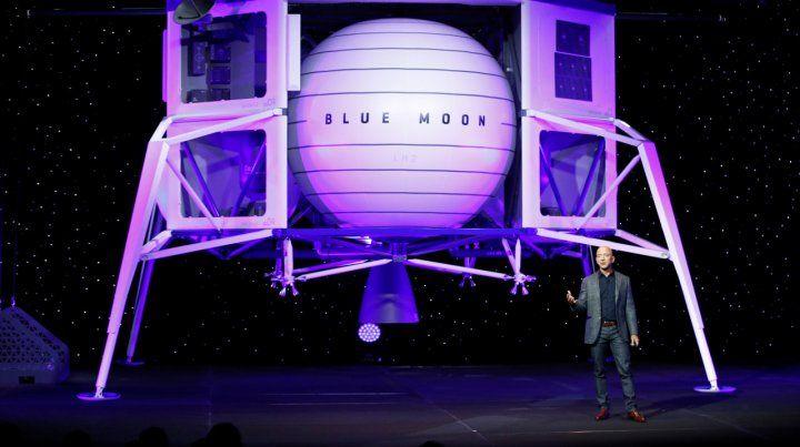 Espectacular. El módulo lunar es presentado por Jeff Bezos. Llevará hasta 4 rovers de exploración.