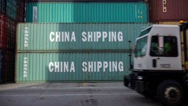 Importado. Contenedores con productos chinos en el puerto de Savannah