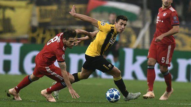 Afilado. Ezequiel Ponce explotó en AEK Atenas convirtiendo muchos goles. El préstamo se vence y lo comprarían.