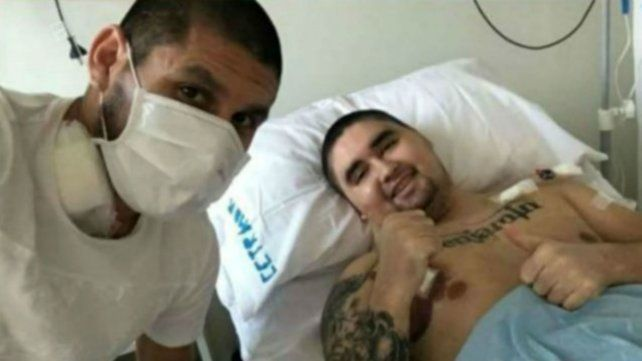 Villagra, junto a su hermano Gonzalo, a quien le donó médula ósea.