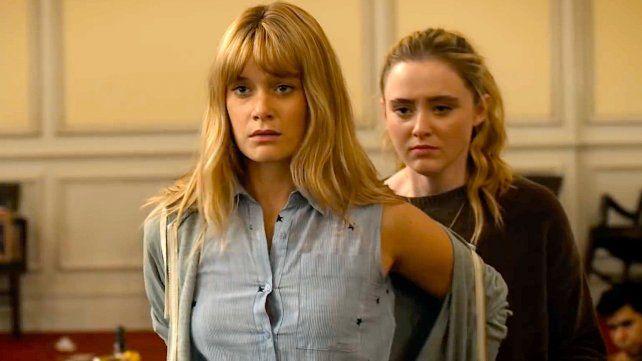 Elenco joven. Rachel Keller (adelante) y Kathryn Newton encabezan el reparto de The Society.