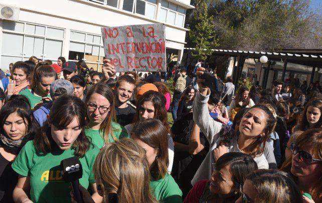 UNR: estudiantes de Psicología impidieron la elección del decano