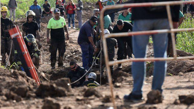 La tragedia de ayer en la zona noroeste. Un obrero murió sepultado en el pozo donde trabajaba.