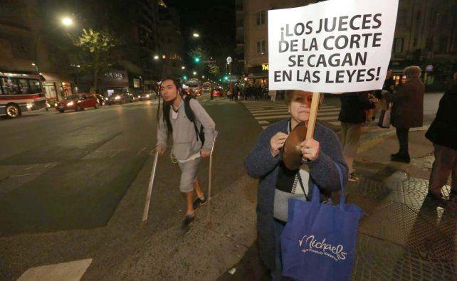 Cacerolazos contra la Corte por retrasar juicio a Crisitina
