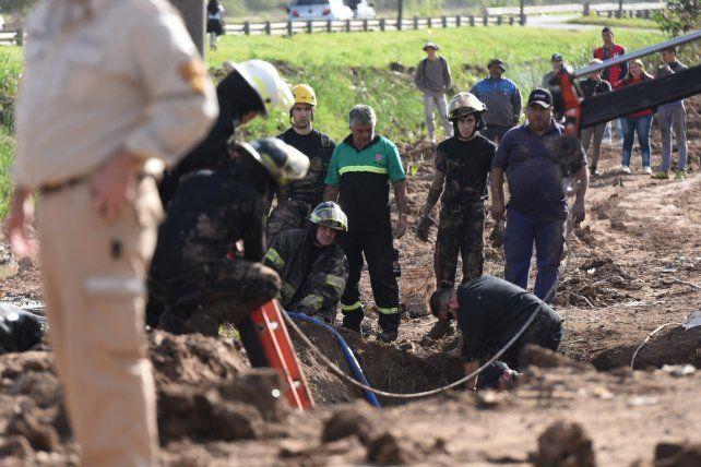 El operario que murió sepultado intentaba remover una bomba