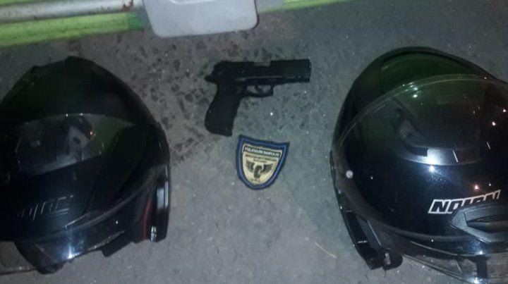 El arma que será sometida a pericias para establecer si usó en el ataque.