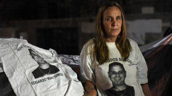 Con dolor. Gabriela Giménez el miércoles 8 de mayo frente a Gobernación, cuando se fugó otro de los condenados.