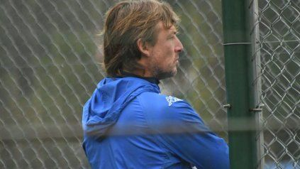 Analizando. El Gringo tiene una propuesta de Vélez, pero aún no respondió. En Ñuls lo siguen esperando.
