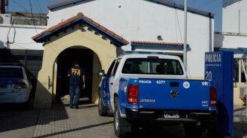 En 2015. Efectivos de la Policía Federal al allanar la comisaría 20ª, con el resultado de cinco uniformados detenidos.