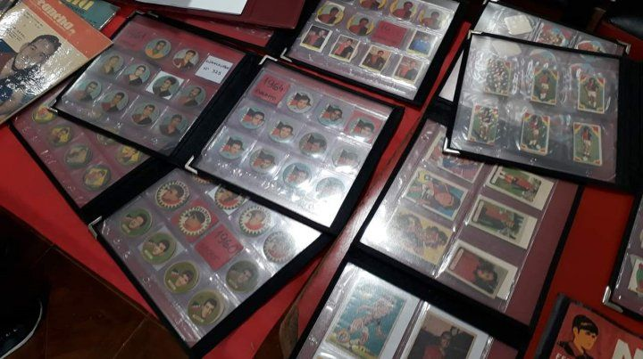 Las figuritas fueron una de las principales atracciones de la muestra en el salón Celli: estaban las redondas de chapa de la década del 30