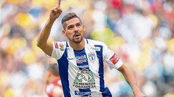 El apuntado. Franco Jara es el goleador de Pachuca y tiene un año más de contrato. En Central siguen soñando con su llegada.