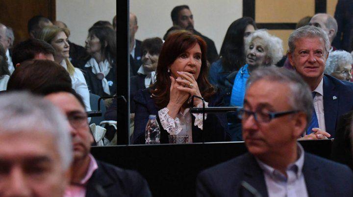 El juicio oral a Cristina por la obra pública pasó a un cuarto intermedio hasta el lunes