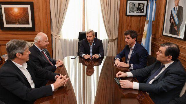 En el Ministerio del interior. La reunión de Frigerio con los gobernadores de Santa Fe y Santiago del Estero.