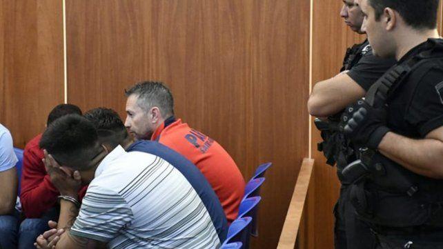 El inicio. Los ahora condenados en la primera jornada del juicio oral y público que se llevó adelante en el Centro de Justicia Penal.