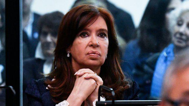 Cristina pide no concurrir al juicio por la corrupción en la obra pública