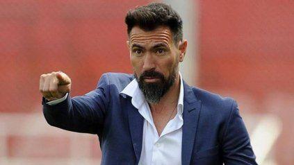 Marca el camino. Hace rato que Domínguez es seguido de cerca por Newells. En su momento no aceptó, ahora podría decir que sí.