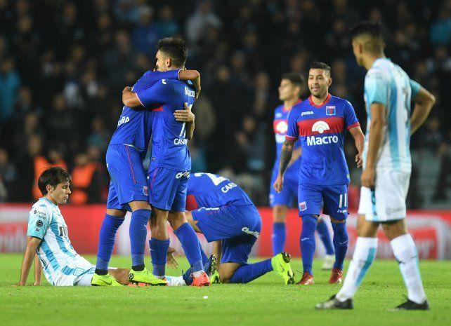Fútbol con trampas y el pedido para que Tigre siga en Primera