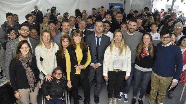 Javkin junto a los candidatos al Concejo.