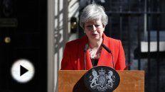 La premier lamentó no haber logrado el consenso necesario en el Parlamento para sacar adelante el acuerdo del Brexit