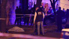 La víctima recibió un disparo en el cráneo.