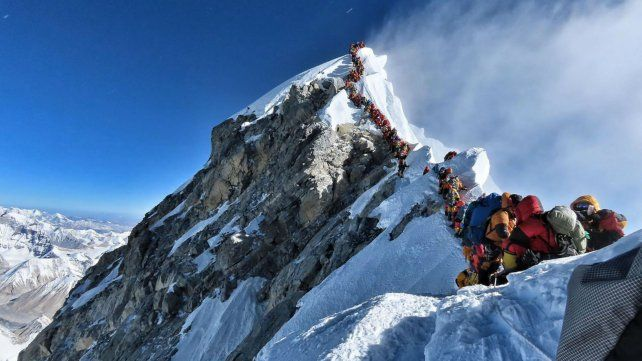 La congestión de montañistas sigue generando problemas.