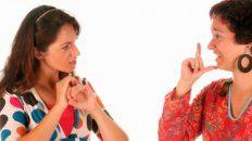 Unas 300 personas sordas cursaron inglés en lenguaje de señas