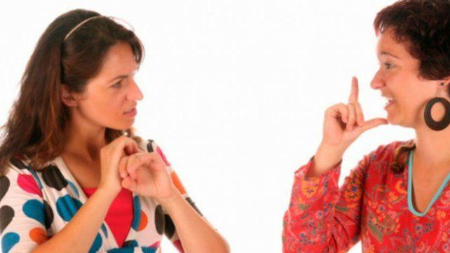 Unas 300 personas sordas cursaron inglés en lenguaje de señas en la UBA desde 2016