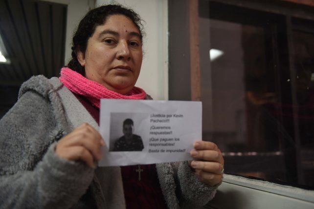Una mujer busca saber por qué su hijo apareció muerto en una cárcel de Marcos Juárez