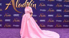 Radiante. Naomi Scott en la presentación de Aladdin en Londres.