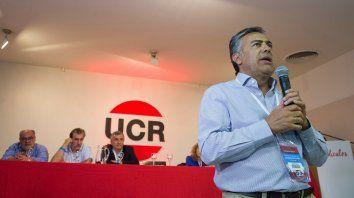 Gobernador. Cornejo, titular del partido, hizo circular un borrador con severas críticas hacia sus socios del PRO.