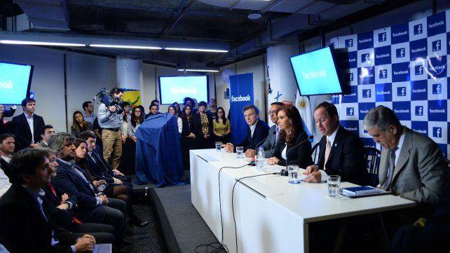 Mayo de 2014. Mauricio Macri y Cristina Kirchner en la inauguración de la oficina de Facebook en Argentina.