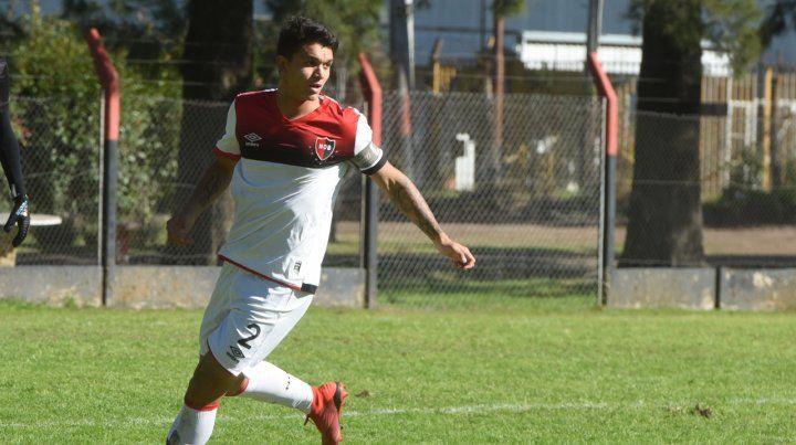 Vista en alto. Pardo sale jugando en el choque que la 4ª de AFA jugó ante San Lorenzo el viernes. En forma paralela entrena con la 1ª.