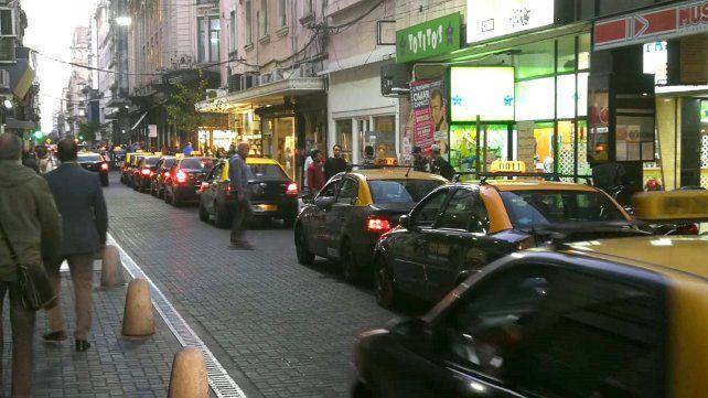 Sin pasajeros. Los problemas económicos se reflejan también en el funcionamiento de los taxis.