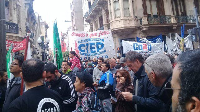 Paro. Los trabajadores vuelven a la calle para expresar su protesta.