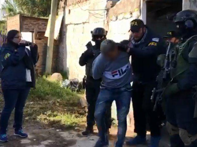 Capturaron en una villa bonaerense a dos evadidos de un furgón penitenciario