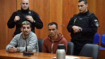 En banquillo. Carlos Andrés Dangelo y Alfredo Rojas ayer, en la sala de audiencias del Centro de Justicia Penal.
