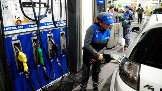 Desde hoy, YPF aumenta las naftas un 2,50 por ciento