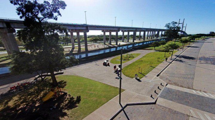 El nuevo espacio. El parque se desarrolla debajo y a ambos márgenes de la conexión con Victoria