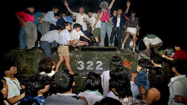 En las madrugada del 4 de junio se desató la represión con tanques