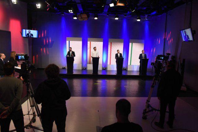 Los estudios de Canal 3 fueron el escenario que se utilizó para este intercambio