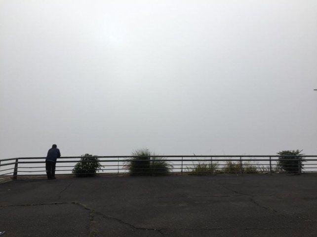 La niebla es otra vez protagonista pero se anticipa una buena jornada