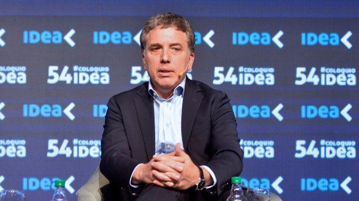 Sin respiro. El ministro de Hacienda dijo que Argentina es solvente. Pero el riesgo país volvió a dispararse.