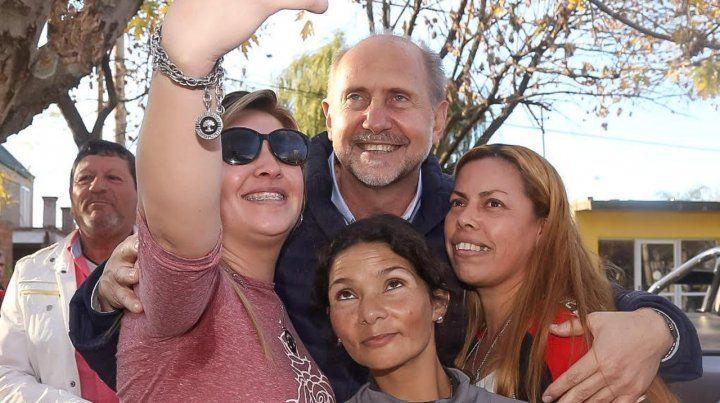 Recorrida. Perotti visitó el departamento San Lorenzo.