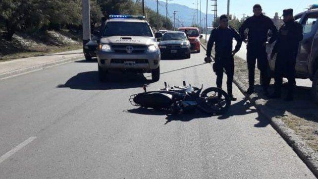 Dos jóvenes mueren al caer en una persecución policial