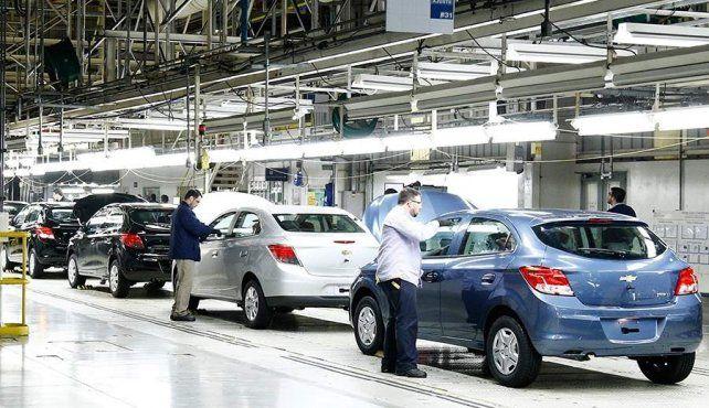 El gobierno anunció descuentos de hasta $90.000 para la compra de autos 0 km