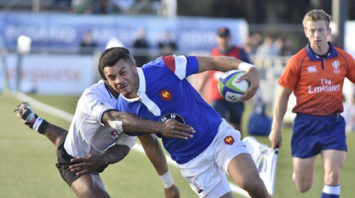 Sin piedad. El conjunto francés hizo gala de un juego efectivo ante los isleños.