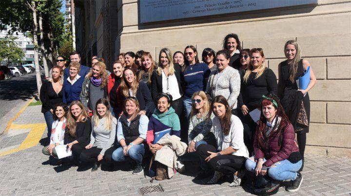 Gesto. Los mujeres colectiveras tuvieron el apoyo del Concejo.
