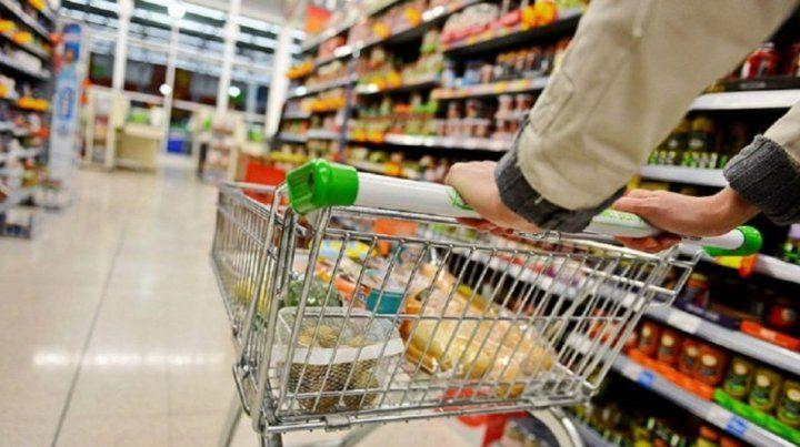 Por día. El gasto diario en productos de consumo masivo llegó a $458.